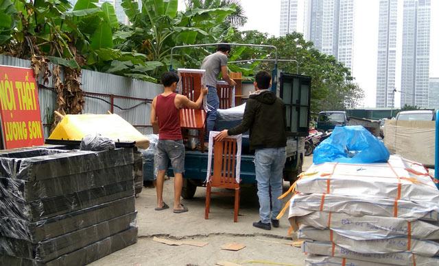 Nội thất Lương Sơn có thợ lắp đặt và vận chuyển tận nhà cho khách hàng